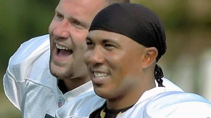 Ben Roethlisberger, left, and Hines Ward were chosen by their teammates as offensive team captains.