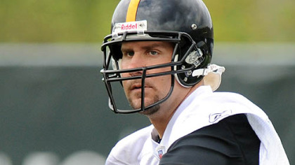 Ben Roethlisberger works out yesterday at the Steelers' South Side practice facility in the team's first spring session.