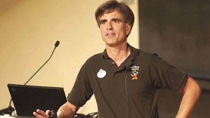 Randy Pausch talks to the standing-room only crowd at Carnegie Mellon University's McConomy auditorium Sept. 18, 2007.