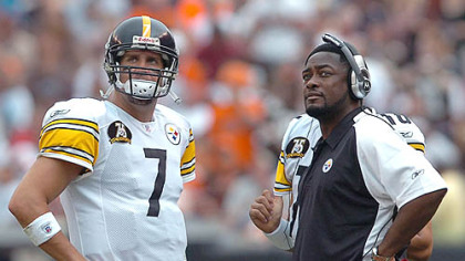 Ben Roethlisberger talks with coach Mike Tomlin. (Sept 9, 2007)