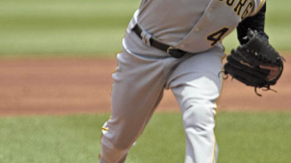 Pirates' Ian Snell pitches in the first inning yesterday.