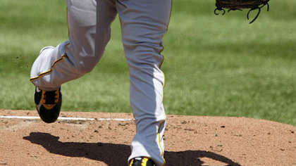 Pirates' Ian Snell pitches to the Washington Nationals in the first inning yesterday in Washington.