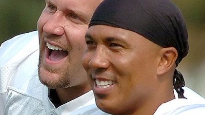Roethlisberger and Hines Ward watch as fans catch the ball during field-goal practice training camp. (Aug. 14, 2007)