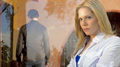 "Mary McCormack plays detective Mary Shannon in USA Network's ""In Plain Sight."""