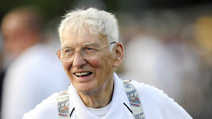 Steelers chairman Dan Rooney was honored by Queen Elizabeth for his  for his work in Northern Ireland.