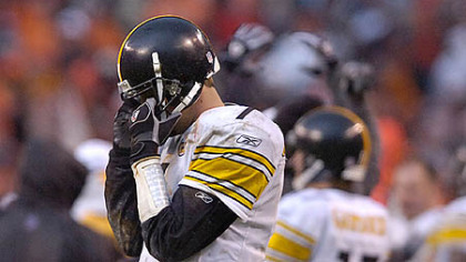 Roethlisberger shows his disgust after throwing an interception against the Cleveland Browns. (Nov. 19, 2006)
