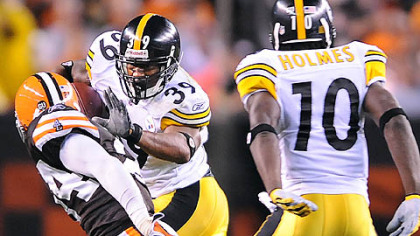 Willie Parker picks up first down against the Browns in the second quarter.