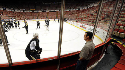 Pittsburgh Mayor Luke Ravenstahl took in the Penguins' morning skate yesterday at Joe Louis Arena in Detroit.