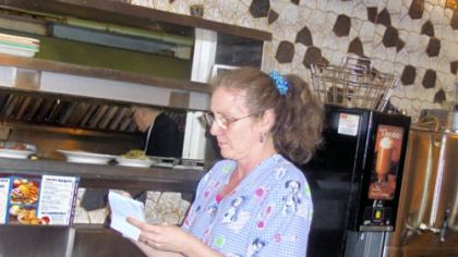 2:07 a.m. at Ritter's:
