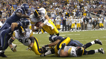 Roethlisberger dives for the goal line for a touchdown in Super Bowl XL. (Feb. 9, 2006)