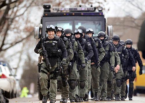 Swat Team uk Team of 14 Swat Officers