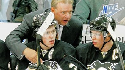 Penguins coach Michel Therrien will keep Evgeni Malkin, left, and Sidney Crosby on the first power-play unit.